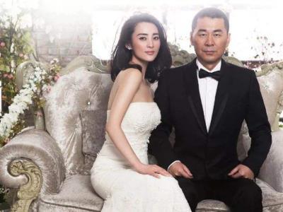 蒋勤勤陈建斌怎么在一起的 陈建斌是怎么娶到蒋勤勤的相恋过程