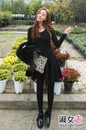 年末韩式连衣裙+打底裤+短靴搭配女人味