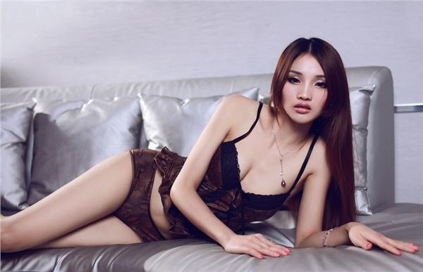 高清模特美女诱惑私房照 风骚性感展熟女风情