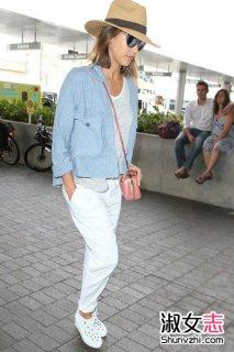 白色休闲鞋怎么搭配出街 看明星白色休闲鞋搭配