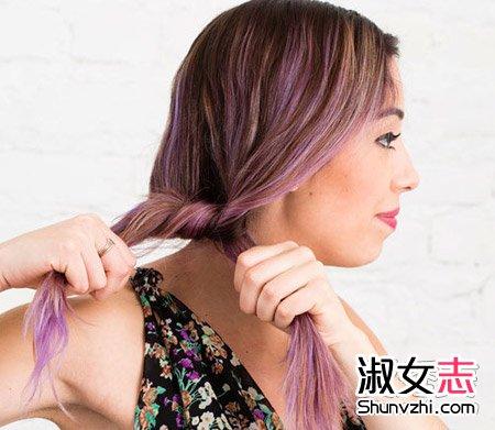 拿起这两部分头发,把他们打成一个结,就像绑鞋带的第一步.图片