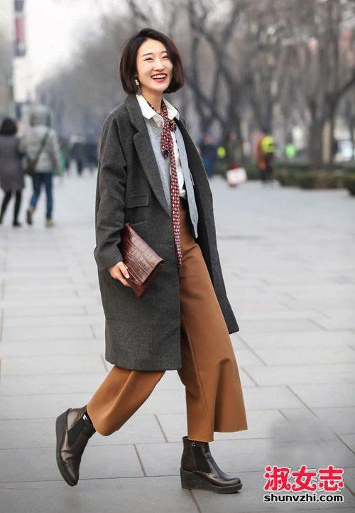 最新冬季北京街拍美女冬装搭配