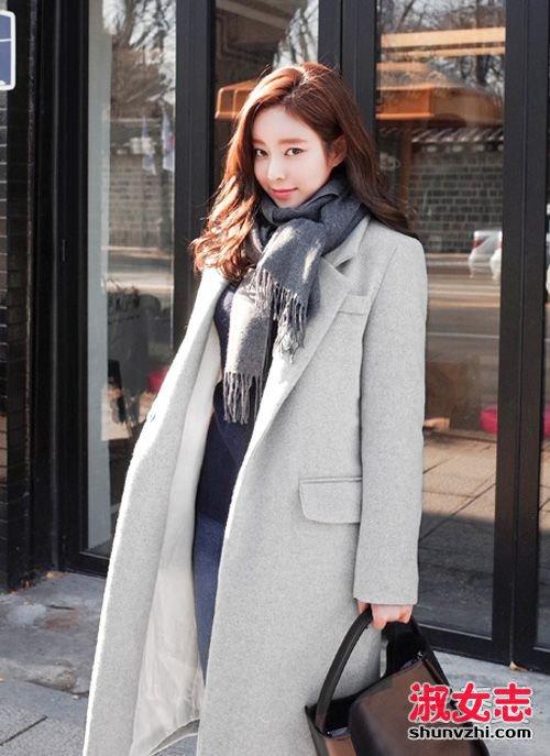 大衣怎么搭配围巾 教你穿的温暖有型 大衣围巾围法