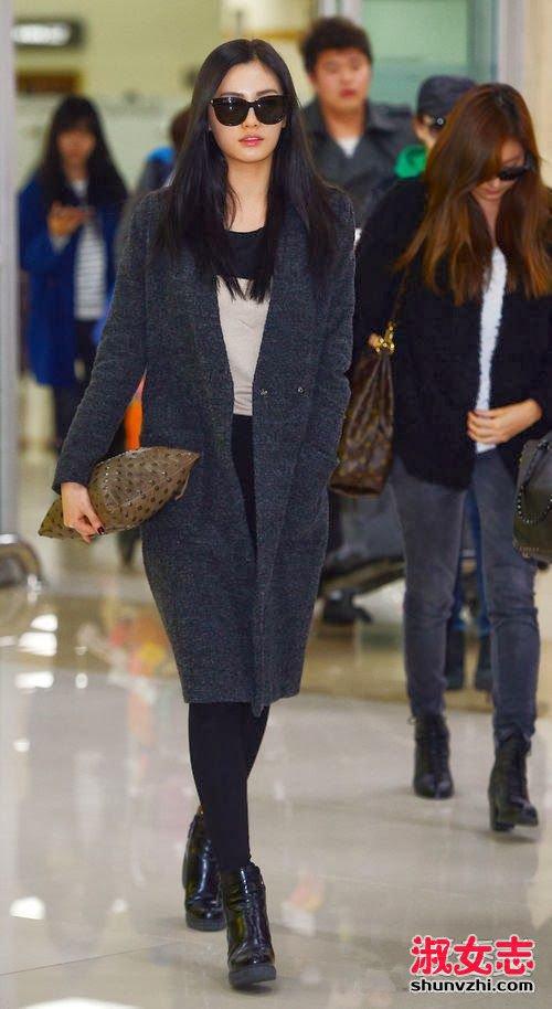 林允儿与郑秀晶_2016韩国女星冬季怎么穿衣搭配街拍_淑女志