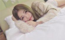 轻轻柔柔的美女 从床上到浴室的美丽写真