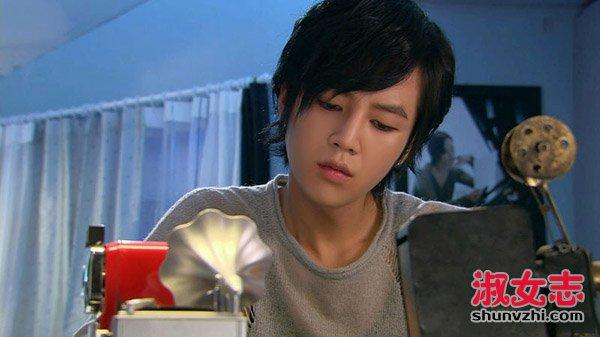 2011年,张根硕开拍的情人《宠物电影》至尊.出演龙坛在线电影图片