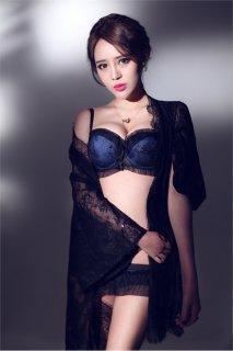 齐淑君性感内衣写真 大胸细腰惹火身材女人味