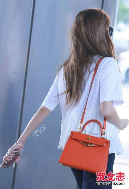 夏天背什么包包好看 韩国明星同款推荐 明星同款包包