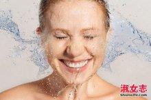 夏季这样洗澡小心得一身病