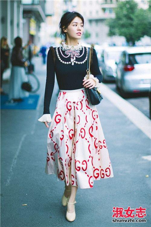 秋分过了穿什么 学学时装周的街拍搭配 秋季街拍搭配图片