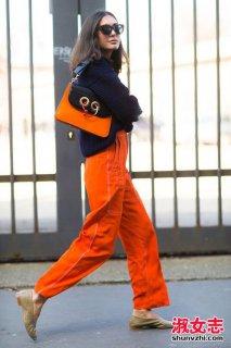 2017米兰时装周潮女街拍图片 撞色很流行