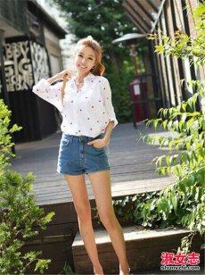 春季白衬衣配什么裤子和鞋 白衬衣搭配