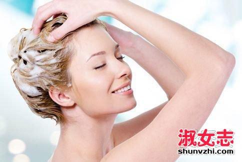 洗发水泡沫多好还是少好 洗发水泡沫多让头发变干燥是真的吗