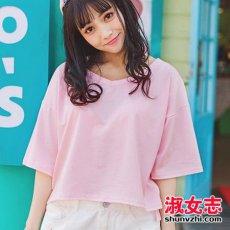 粉色t恤配什么颜色裤子和鞋子推荐
