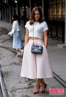 夏季街拍裤裙搭配上衣 潮流穿法
