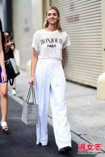 纸袋裤怎么搭配 夏季纸袋裤打扮街拍