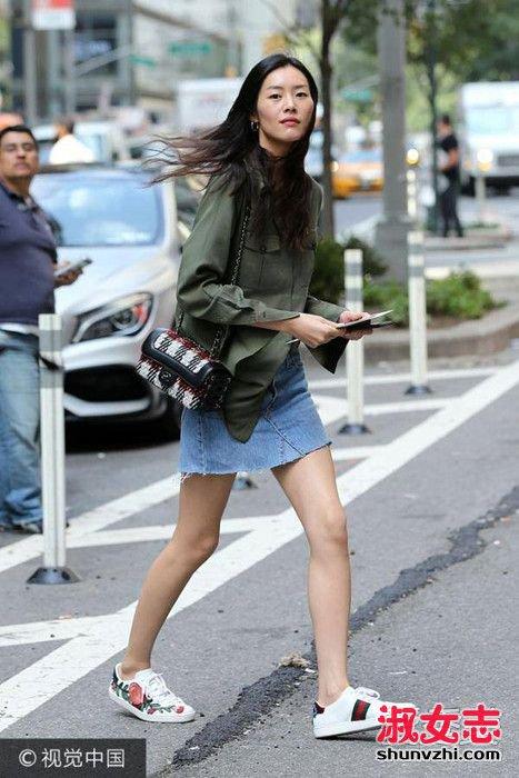 刘雯维秘面试穿衣打扮 刘雯最新街拍图片