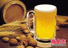 女人喝啤酒的好处 啤酒对皮肤的好处