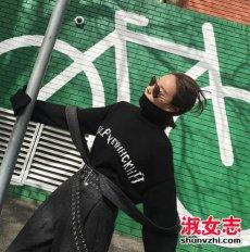 2017流行的女装毛衣款式街拍