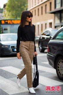 格子裤配什么上衣和鞋子街拍搭配