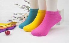 袜子底发硬怎么办 袜子发黄怎么办