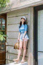 夏季浅蓝色牛仔短裤搭配图片舒适的视觉感受