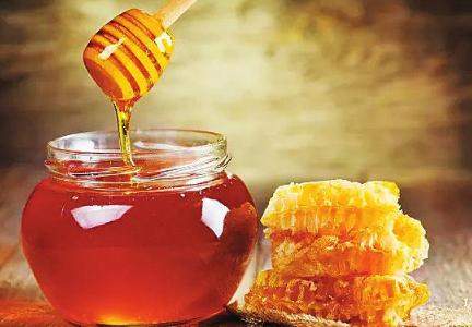 美妆护肤甘油阳台:蜂蜜+百合+面粉+水+知识蛋清1份,鸡蛋清1个蜂蜜材料图片