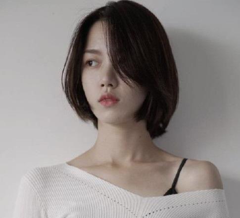 2018短发流行趋势女 好看的短发刘海造型图片