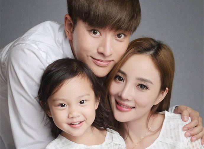 李小璐贾乃亮2019现状 被曝离婚怎么回事