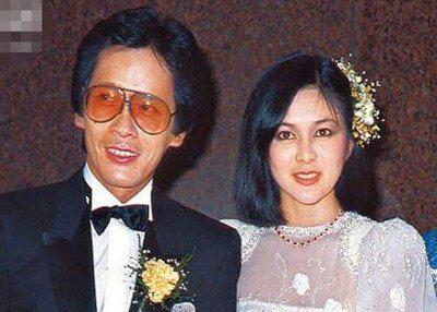 Kết quả hình ảnh cho 大美人关之琳有过两段婚姻,第一段婚姻是她在20岁时和大自己将近20岁的王国旌结婚,第二任丈夫则是富商陈泰铭。