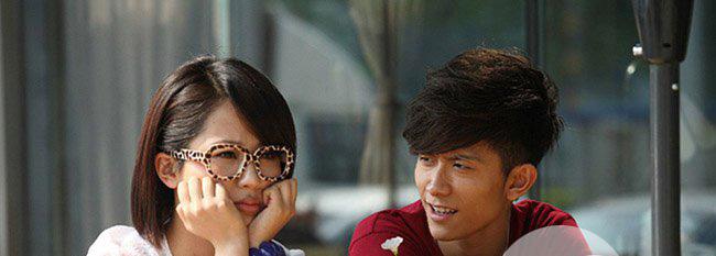 """张一山和杨紫结婚照吻戏 剧中小姐弟摇身一变成了""""情侣"""""""
