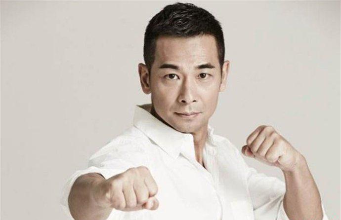 赵文卓为什么一直不红 在香港娱乐圈就受到排挤