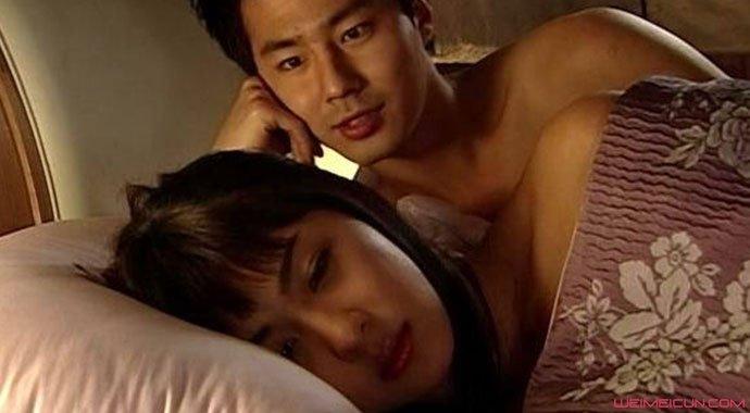 韩国三级最好看影片以韩国传统故事春香传为蓝本角色不变却对彼此的关系做了大胆的设想和颠覆故事仍以世家公子李梦龙在清风角和风