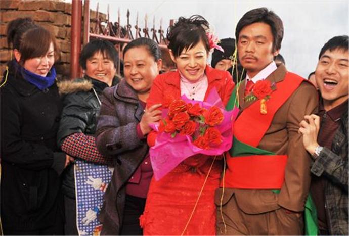 王宝强农村原配妻子 王宝强在农村结婚真相是这样的