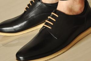 皮鞋怎么选购?尺寸260是多少码