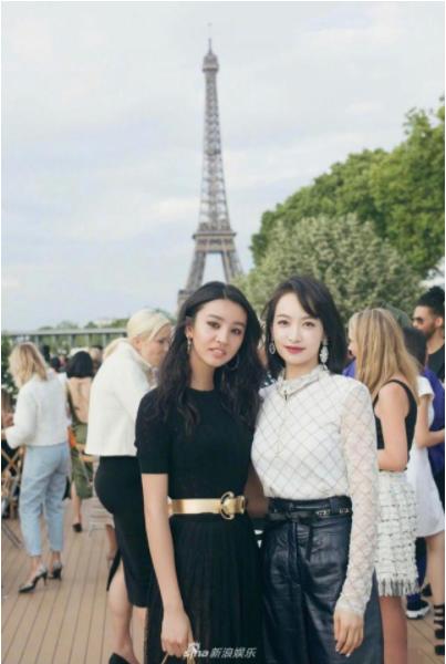 宋茜木村光希在巴黎合影  美丽女人的最高境界