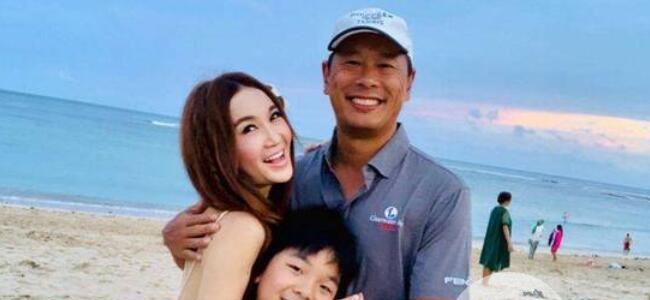 温碧霞与养子合照 乖巧伶俐的儿子