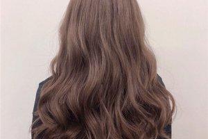 亚麻灰棕头发图片效果图 很气质的颜色