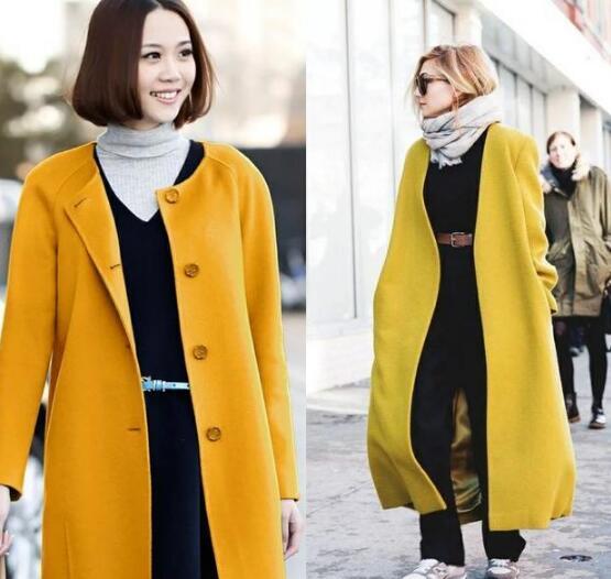 姜黄色大衣搭配灰色