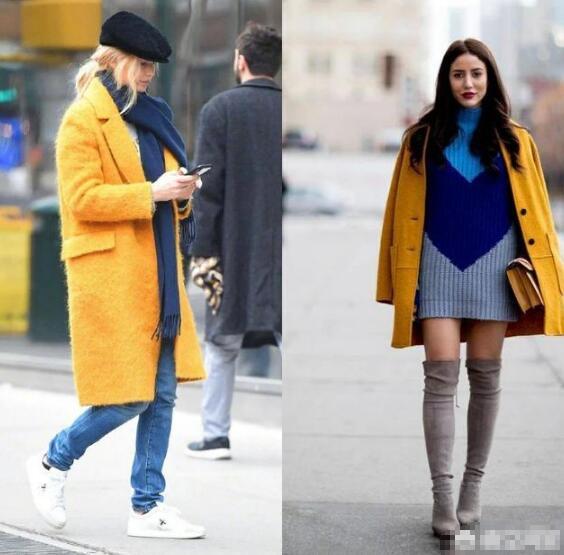 姜黄色的大衣搭配蓝色
