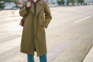 今年流行的女士风衣款式图片