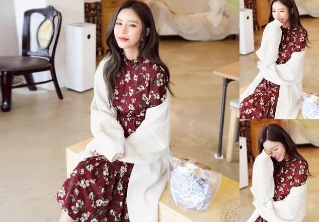 红色小碎花连衣裙 白色针织开衫