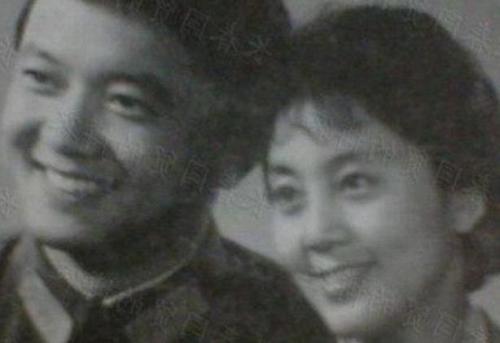成方圆的母亲_王刚的几段婚姻 王刚成方圆在一起几年 - 淑女志