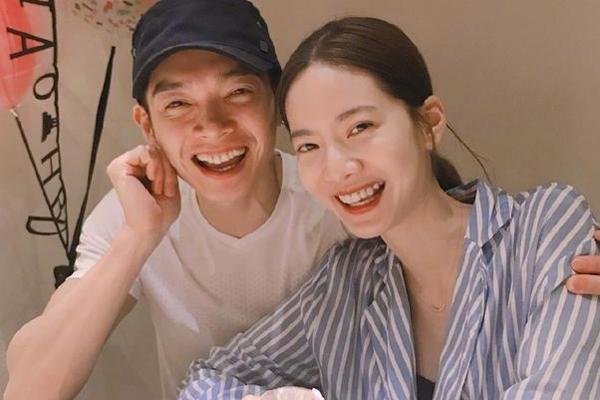 辰亦儒曾之乔宣布结婚 十年的爱情终于结果