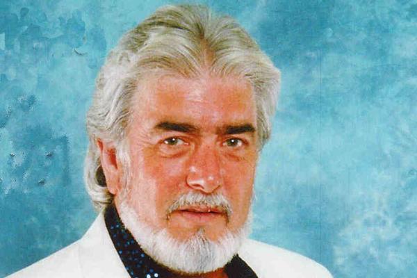 美国乡村歌手肯尼罗杰斯去世 让人惋惜