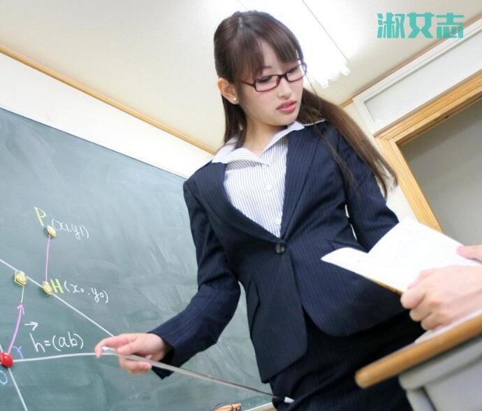 老师喂我乳我脱她胸罩