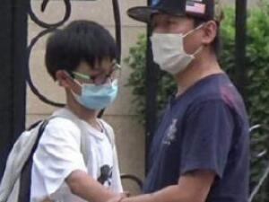 白百何陈羽凡接儿子放学 二人离婚后没有闹翻依旧是好友吗