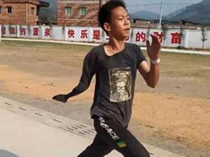 独臂篮球少年注册为运动员 走出梦想第一步但是圆梦很难