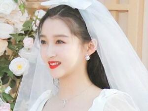 网曝关晓彤鹿晗领证 鹿晗花千万买大平层做婚房是真的吗