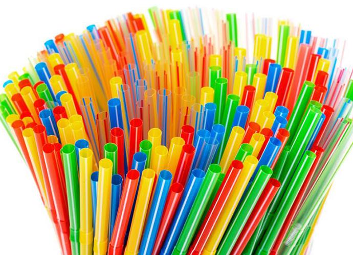 塑料吸管年底禁用